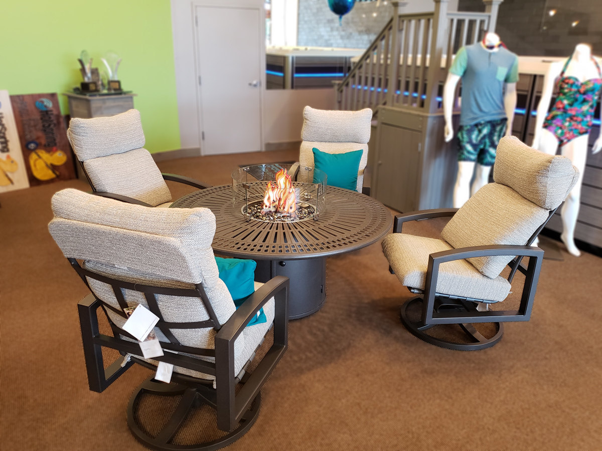 Lakeside Cushion Swivel and Banchetto Fire Table Family Image